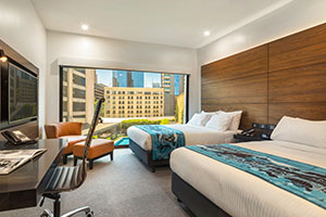 Melbourne Accommodation King Urban Guestroom